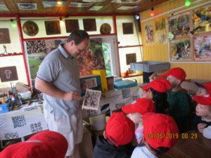 Der Imker hat uns viel Wissenswertes über Bienen erzählt!